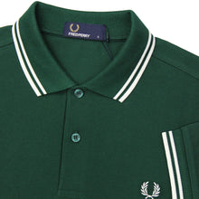 Load image into Gallery viewer, Fred Perry - M3600 in Ivy / White / White
