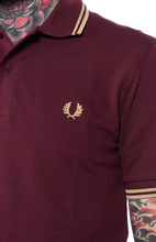 Load image into Gallery viewer, Fred Perry Reissue  -  M12 Shirt in Aubergene/Champagne