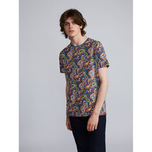 Load image into Gallery viewer, Pretty Green - T-Shirt Paisley