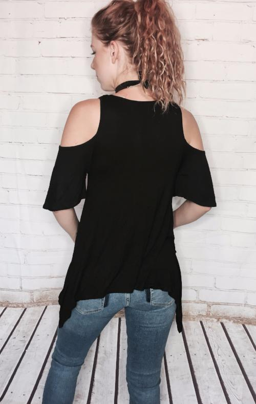 Short sleeve cold shoulder
