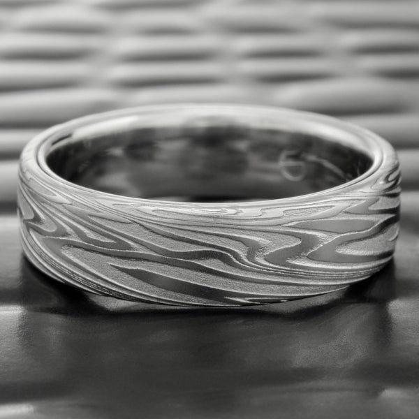 Woodgrain Damascus Flat 6mm Wide Band with Platinum Liner  |  ORGANIC WOOD