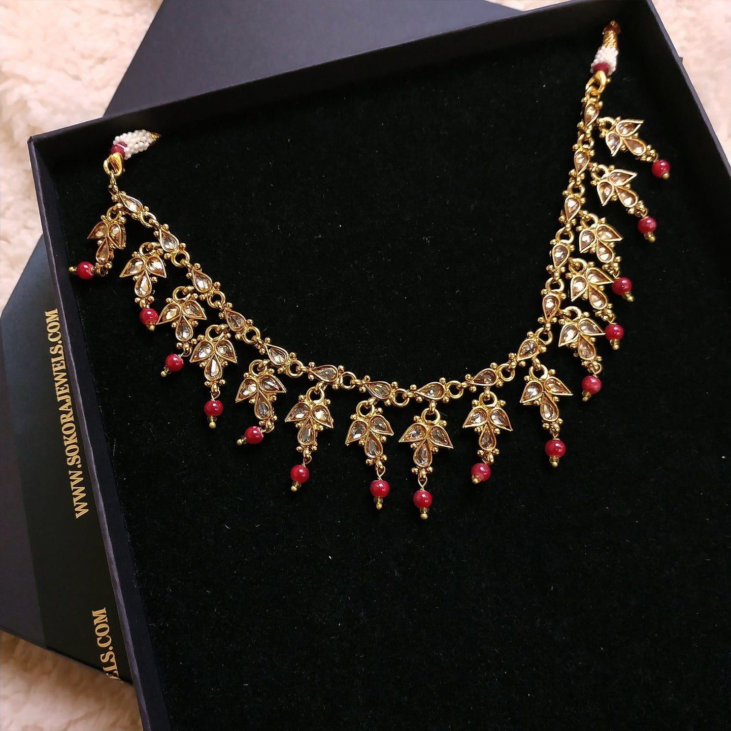 Antique Gold Short Necklace  - Maroon