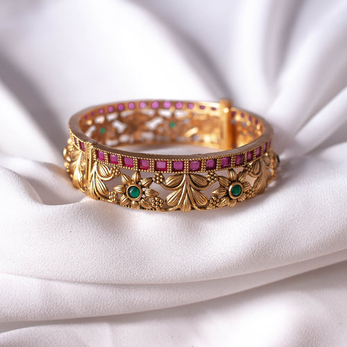 Matt Gold Floral Bangle Size 2.6 (Medium)
