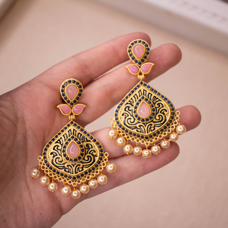 Matt Gold Earrings - Navy/Pink