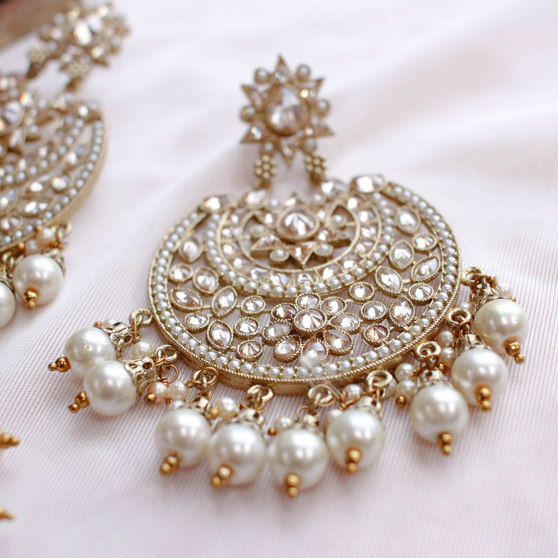 Rani Statement Earrings and Tikka set - Pearl