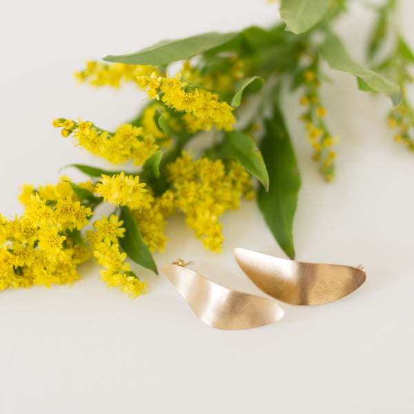 Small Petal Earrings - Gold