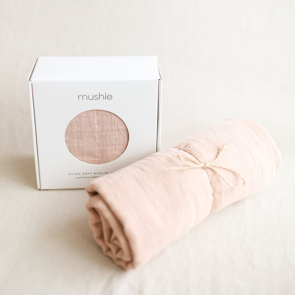 Mushie Muslin Swaddle - Blush