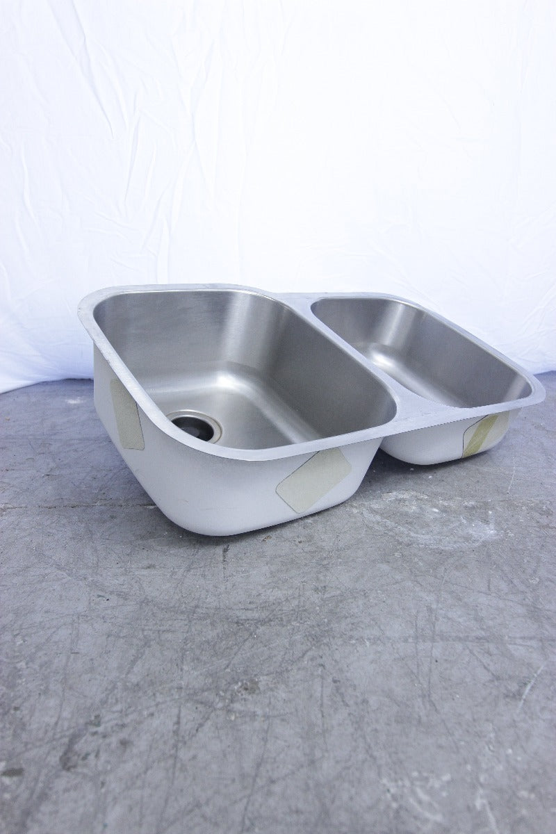 "Double Basin 32"" Undermount Sink"