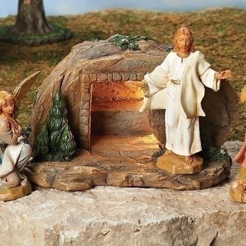 JERUSALEM EASTER SCENE AND FIGURINE COLLECTION