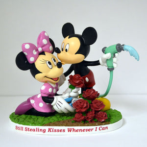 (WD) Disney VALENTINE - STILL STEALING KISSES 0905764002-T