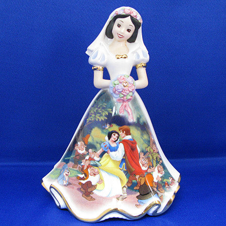 FIGURINE - HAPPILY EVER AFTER SNOW WHITE