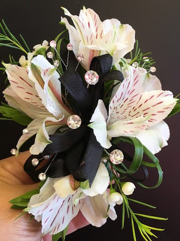 Black/White Beauty Corsage