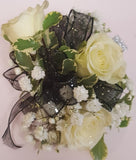 Corsage 3 roses