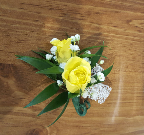 Boutonniere 2 roses