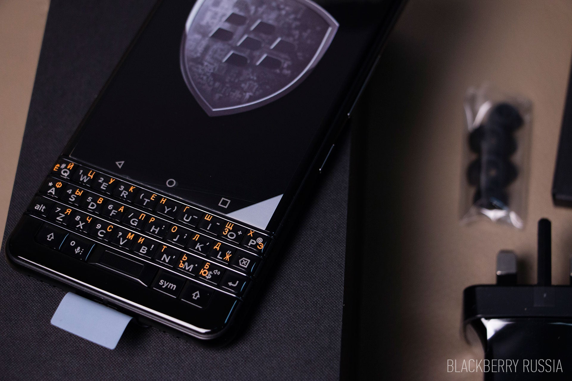 BlackBerry-keyone-black-1