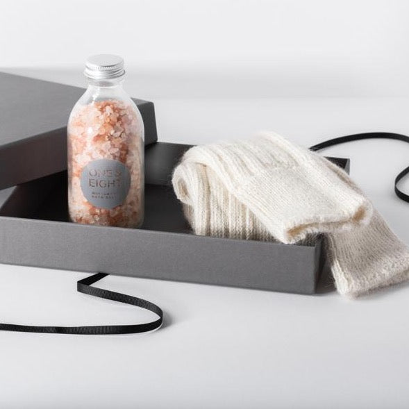 Alpaca Socks & Himalayan Bath Salts Gift Set