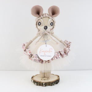 Keepsake Doll Stand