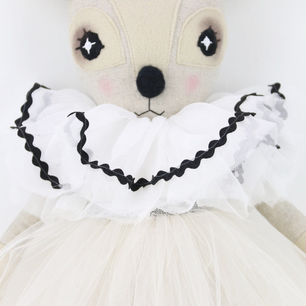 Pierrot Delphine Dormouse