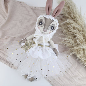 Keepsake White Star Hebe Hare