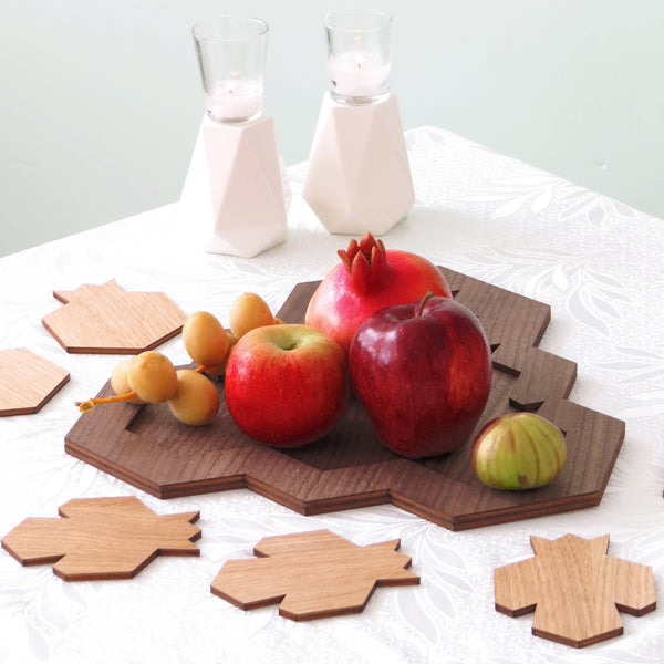 Wooden tray and 6 coasters, pomegranate shape
