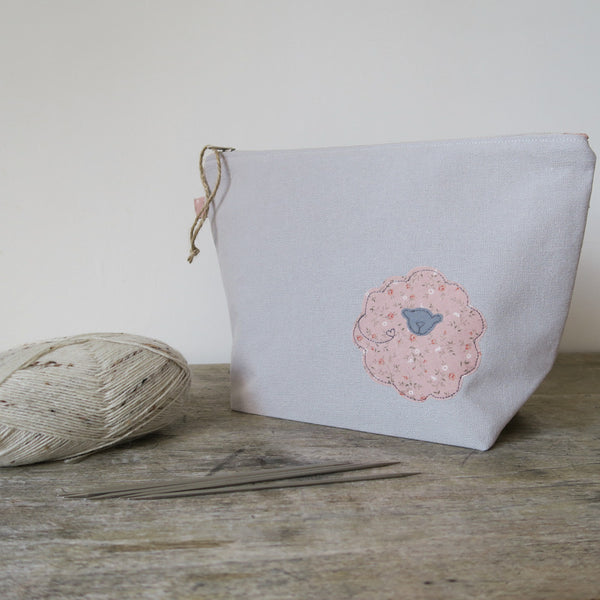 Pretty Sheep Zip Bag