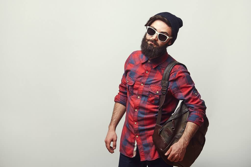 Moisturize your dry skin under beard by following a beard grooming routine