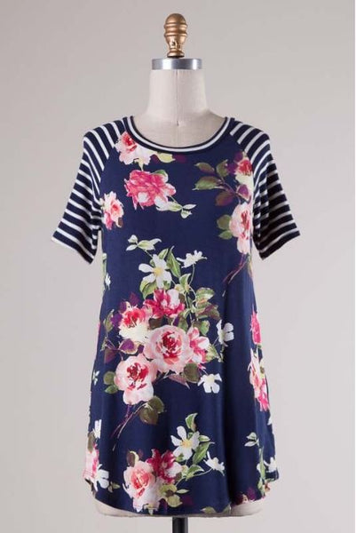 Navy Floral Tee - Oh Deer Boutique