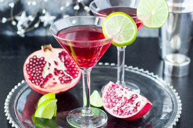 For A Little More Holiday Spirit, Sip On This Guilt-Free Pomegranate Martini Recipe