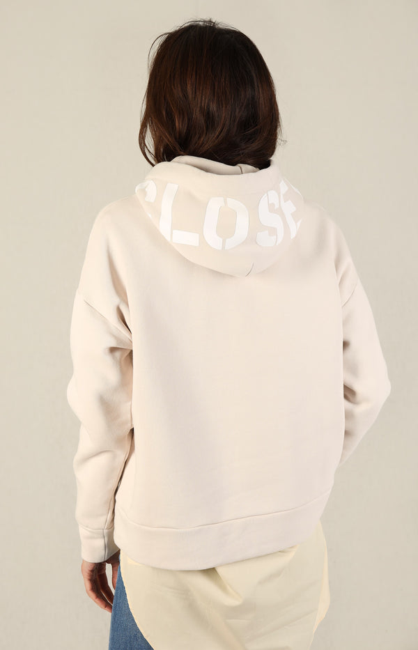 Hoodie mit Logo in LycheeClosed - Anita Hass