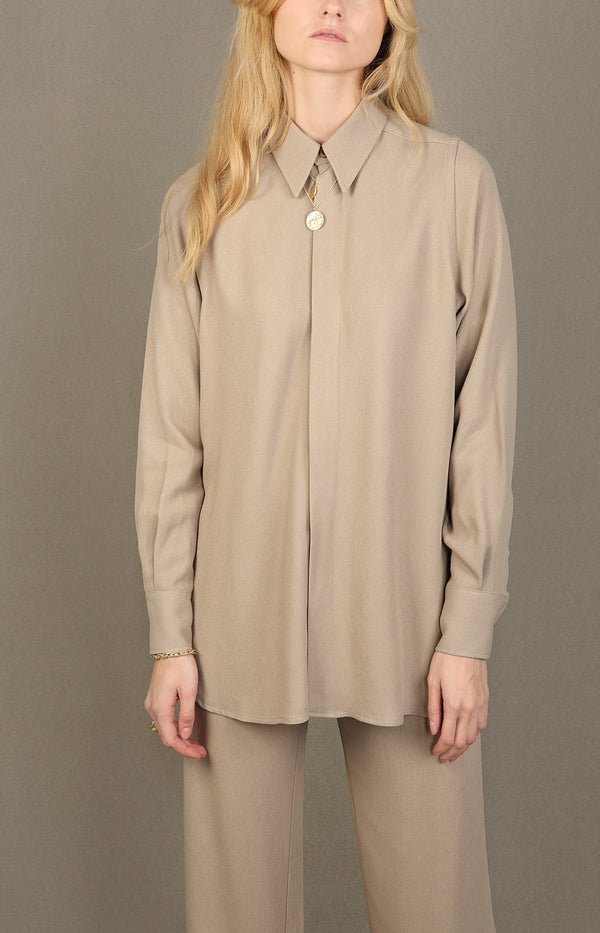 Oversized Bluse in CamelAMI Paris - Anita Hass