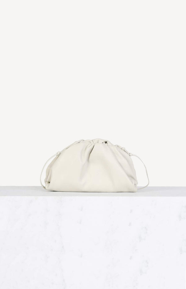Tasche The Mini Pouch in PlasterBottega Veneta - Anita Hass