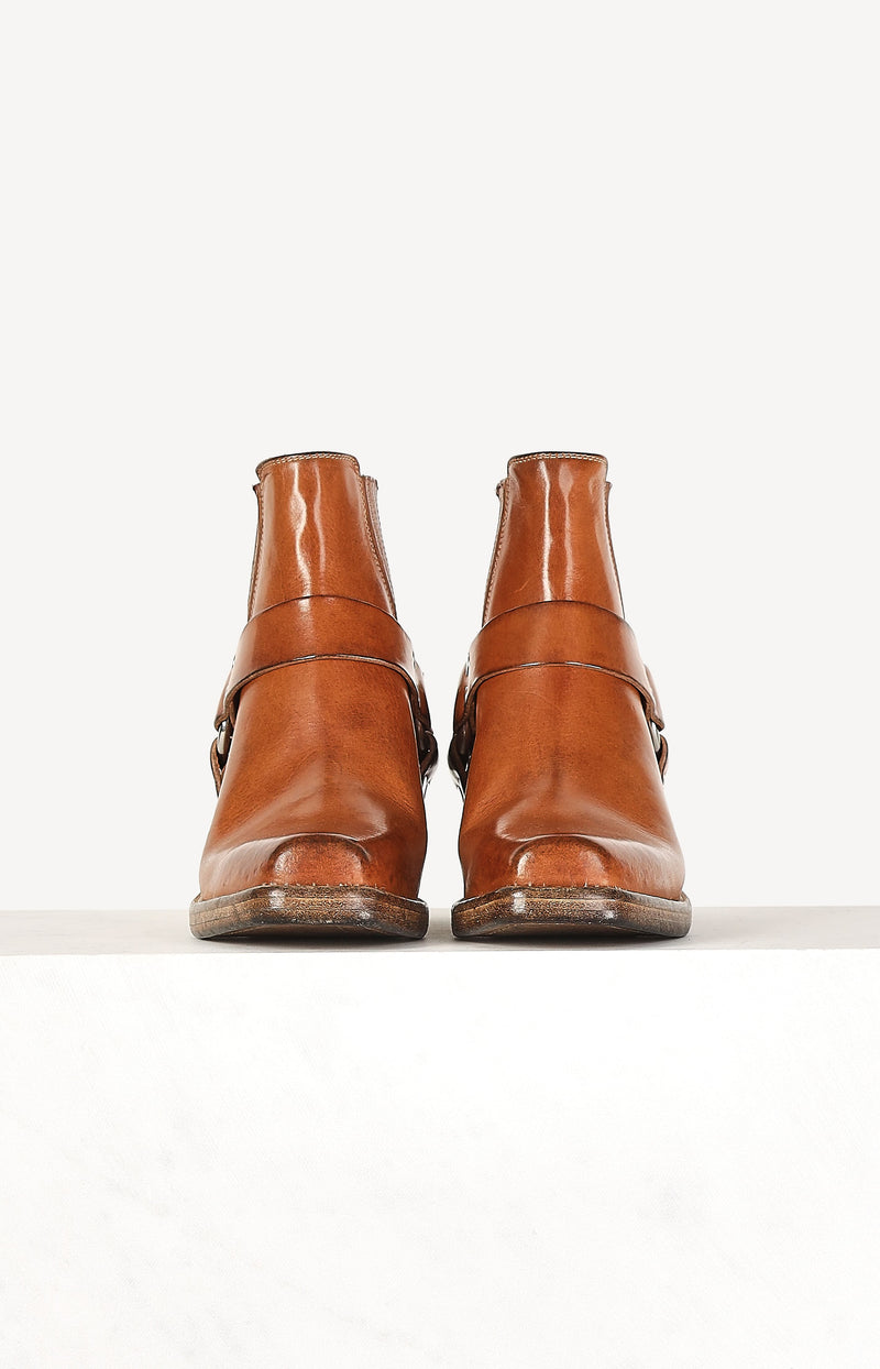 Boots Short Cavalry in Worn CaramelRE/DONE - Anita Hass