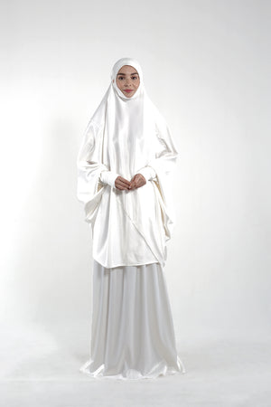 By Modest Mecca - Ivory Telekung with toiletries