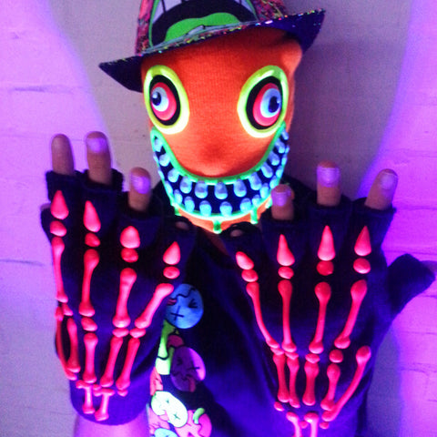 HAND PAINTED GLOVES SKELETON  red