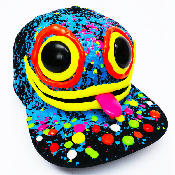 COUCHUK - UV REACTIVE - ART ON CAP BLACK/BLUE WIDE EYES - Clubwear - PLUR - Rave clothing