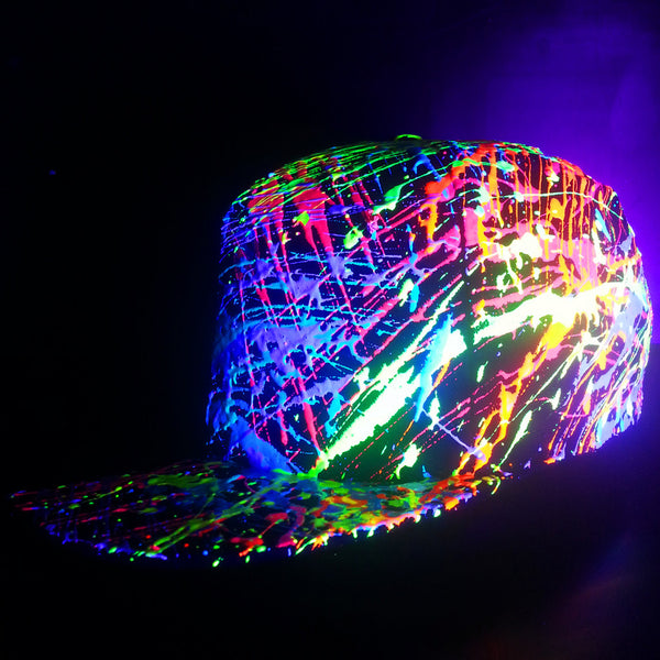 COUCHUK - UV REACTIVE - HALF SPLAT FLATPEAK CAP BLACK - Clubwear - PLUR - Rave clothing