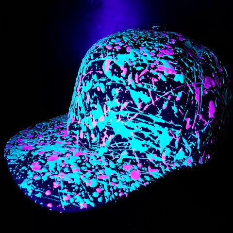 COUCHUK - UV REACTIVE - SPLATTER FLATPEAK CAP BURGUNDY - EMERALD GREEN/PINK - Clubwear - PLUR - Rave clothing