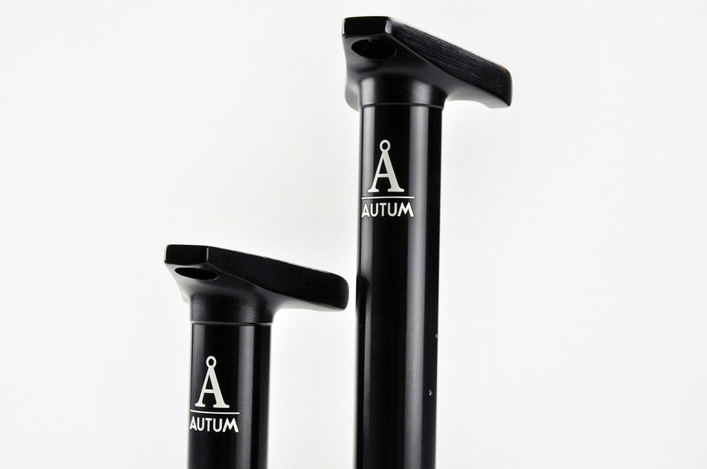TRIPOD SEATPOST – anodized glossy black