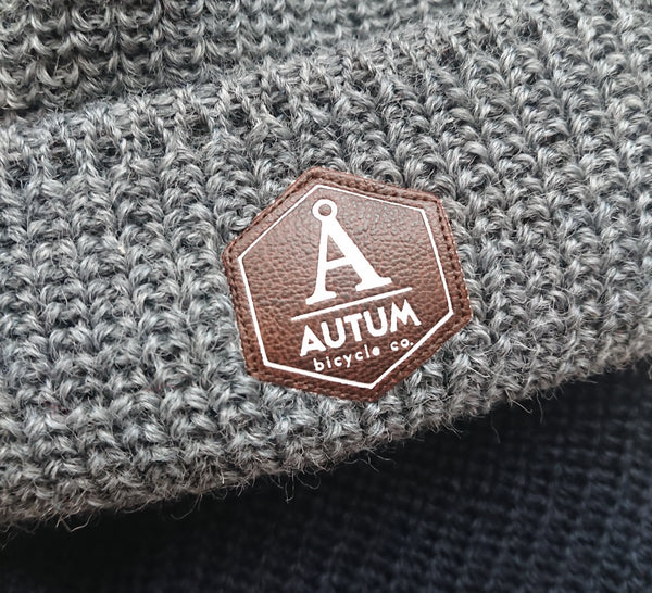 FISHERMAN BEANIE -Å LOGO PATCH