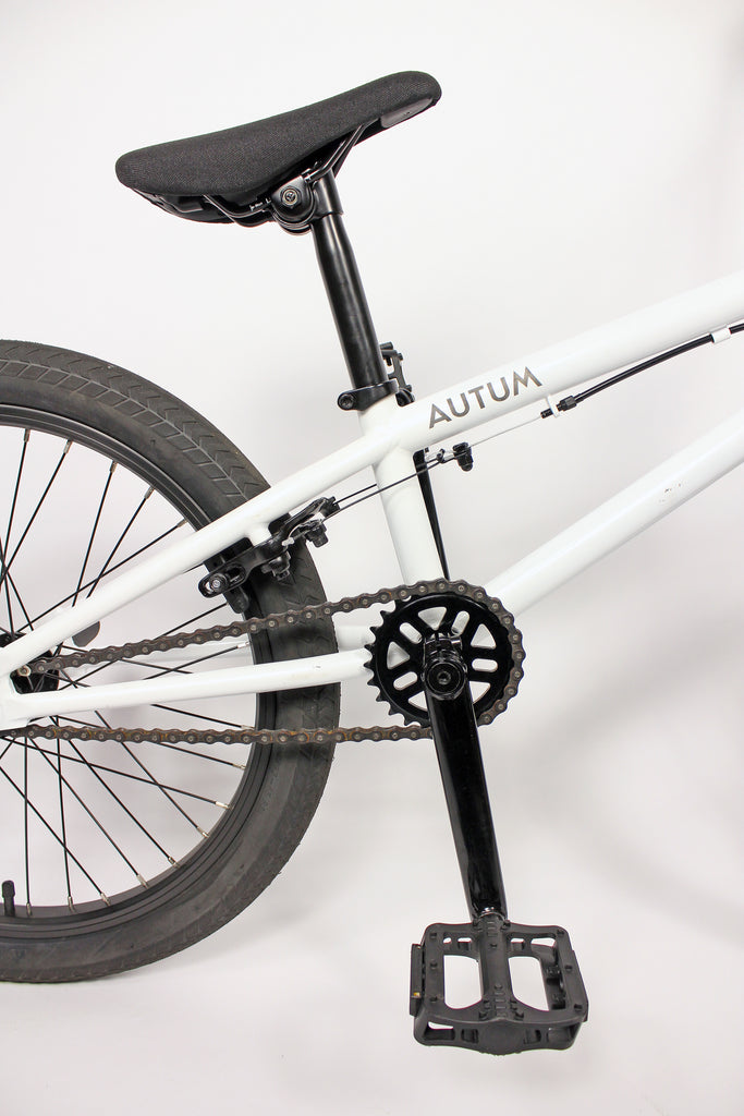 AUTUM *STAY HUNGRY®* Edition BMX Flatland Complete Bike - white