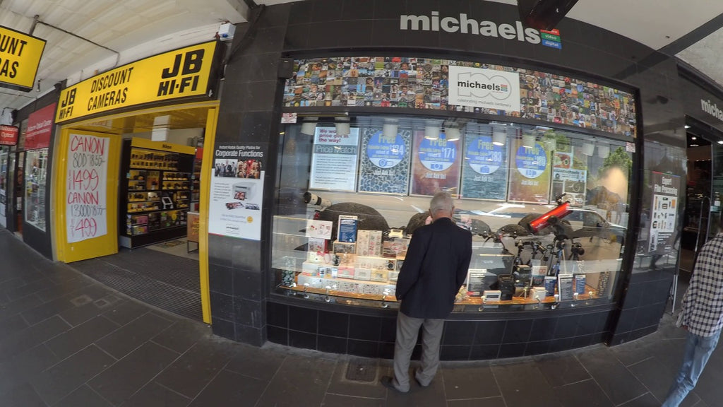 Nikon KeyMission 170 4k Test - Walking Past the michael' Display Windows  in Melbourne