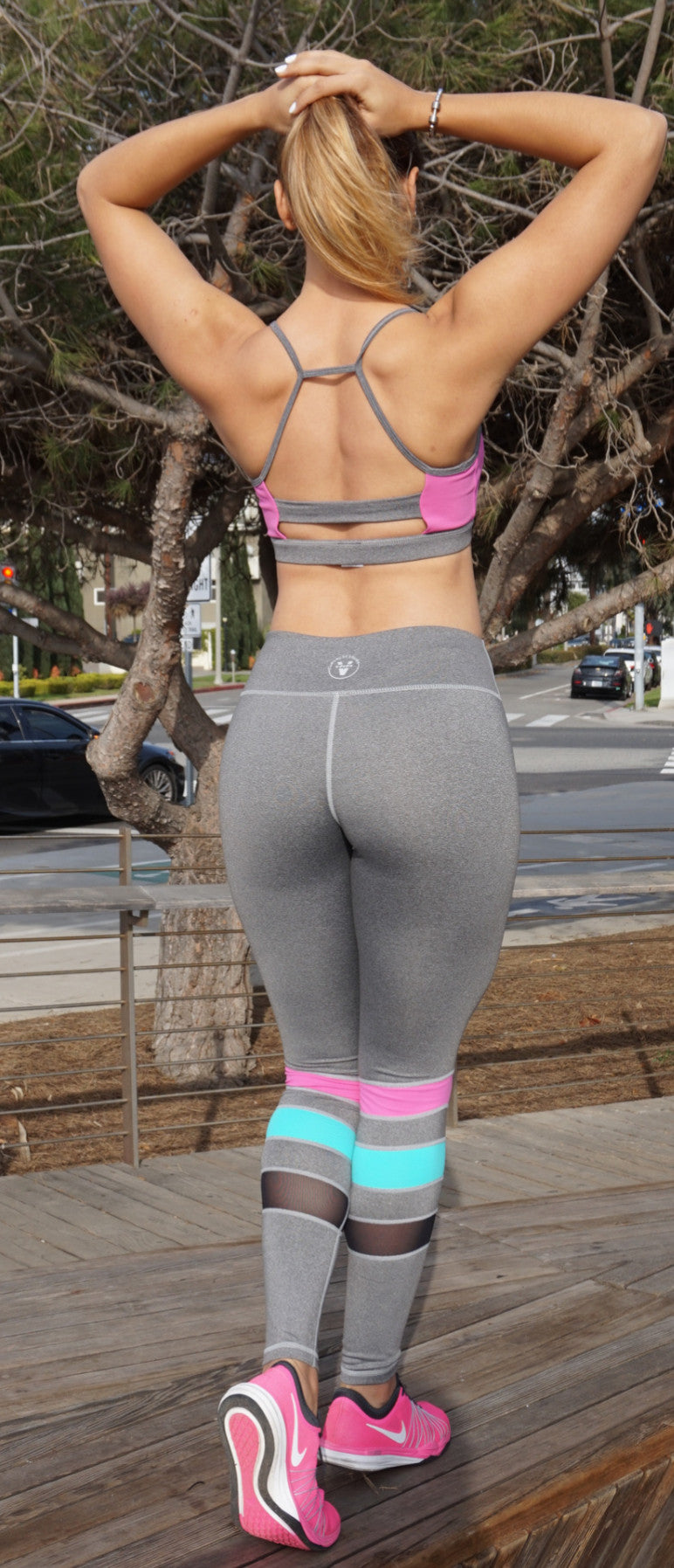 Vfit's Signature Sport Bra in Gray