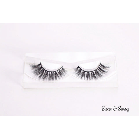 Long Feathery and fluttery mink party lashes in beautiful style