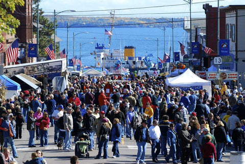 Bayfield Apple Festival crowds of people most popular festival in Wisconsin