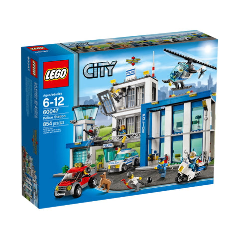 LEGO City: Police Station - 854 Piece Building Set [LEGO, #60047, Ages 6-12]