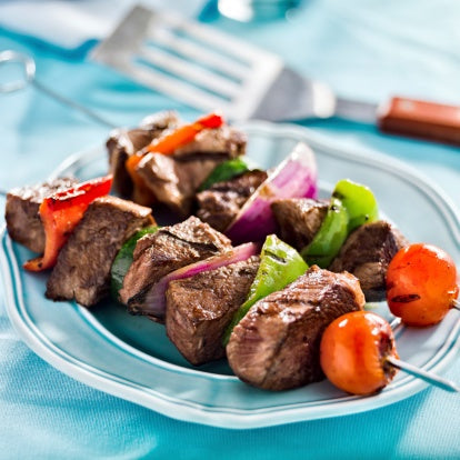 Grass Fed Steak Skewers with Cilantro-Garlic Sauce [Recipe]
