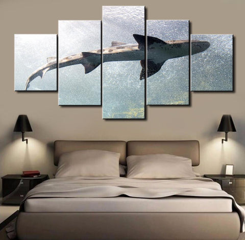 5 Panel Big Shark Canvas