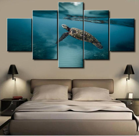 5 Panel Swimming Turtle Canvas