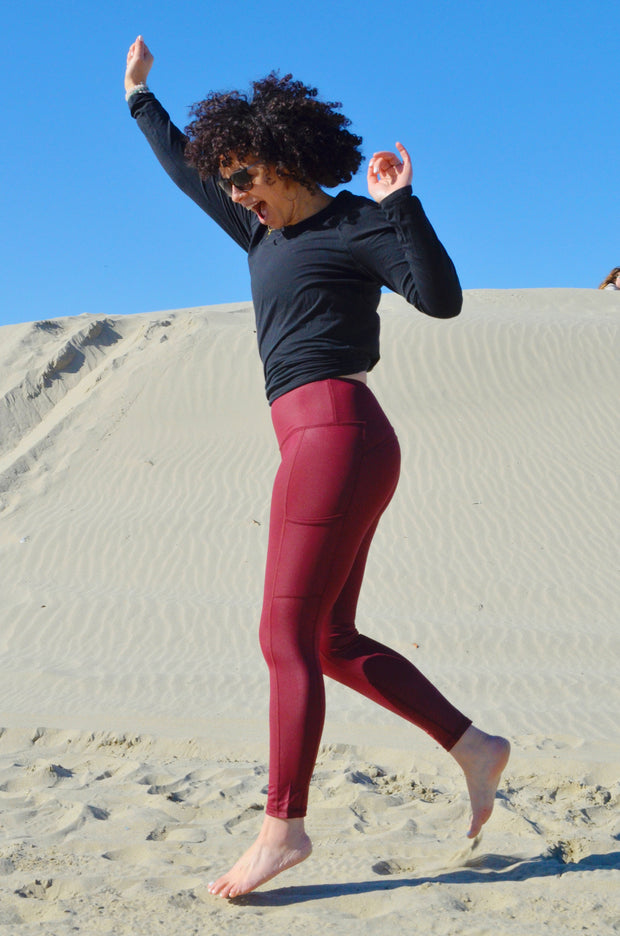 Attitude Liquid Pocket Legging - Cranberry