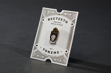 Dust Pin by Bee Teeth